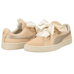 5/$20 PUMA Basket Heart Leather Sneakers Size 9.5